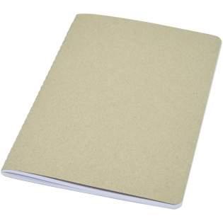 Lichtgewicht en flexibel notitieboek voor dagelijks gebruik. De cover is gemaakt van gerecycled karton. Met zichtbare singer stiksels op de rug en met 80 vellen, 70 g/m² 100% FSC wit gelinieerd papier. Gemaakt in Italië.