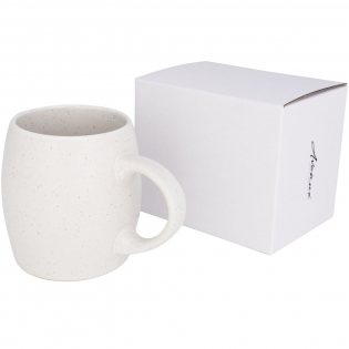 Cosy ceramic mug with a matte finish and trendy campfire pattern. Dishwasher safe in accordance with EN12875-1 (at least 125 washing cycles) for all decoration methods. Volume capacity is 520ml. Presented in an Avenue gift box.