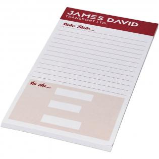Wit A1/3 A4 Desk-Mate® kladblok. Bevat vellen blanco papier van 80 g/m2. Standaard geleverd met 50 vellen, ook verkrijgbaar met 25 of 100 vellen. Decoratie mogelijk op elk blad. Afmetingen blad: 99x210mm.
