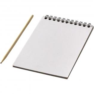 10 vellen kraspapier met houten pen. Gewoon krassen om kleurrijke afbeeldingen te onthullen.