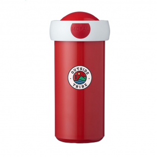 The perfect cup for school children. This plastic cup is 100% leak proof, easy to open and easy to use for children. This product is very robust making it ideal for the school environment. BPA-free and Food-Approved with a 2-year Mepal manufacturer's warranty. Made in Holland. Capacity 300 ml. STOCK AVAILABILITY: Up to 1000 pcs accessible within 10 working days plus standard lead-time. Subject to availability.