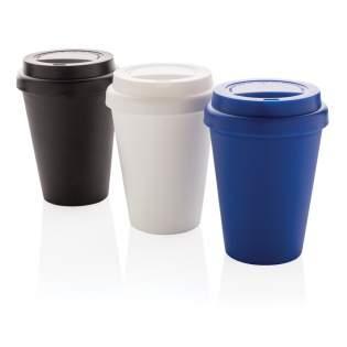 Mug 300ml à double paroi en PP recyclable et couvercle à vis. Convient pour les boissons froides et les boissons chaudes jusqu'à 100 degrés. Lavage à la main uniquement.