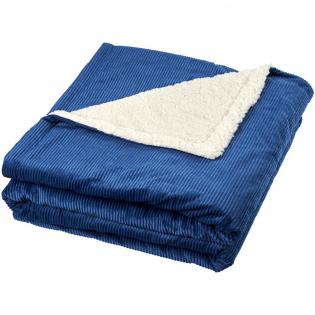 Couverture sherpa très douce et confortable avec un molleton en velours côtelé. Présentée avec un ruban cadeau et une carte de la marque Field & Co. Polaire en velours côtelé 200 g/m² et polaire sherpa 190 g/m².