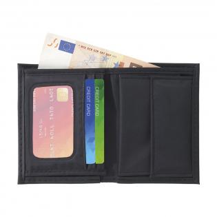 Portefeuille en matière synthétique, avec poches et porte-monnaie.