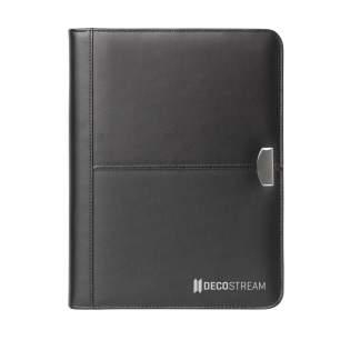 Conférencier/porte-documents en cuir de boeuf recyclé de format A4. Avec plusieurs pochettes, pochettes pour cartes de visite et fermeture zippée tout autour. Inclus : bloc-notes et stylo. Par pièce dans une boîte luxueuse.