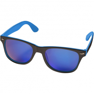 Sunglasses with fresh color details and trendy colored acrylic lenses. Includes microfiber pouch for storage which can also be used as cleaning cloth. Classified as category 3 sunglasses with UV 400 protection. Compliant with EN ISO 12312-1. Presented in a gift box. Exclusive design.