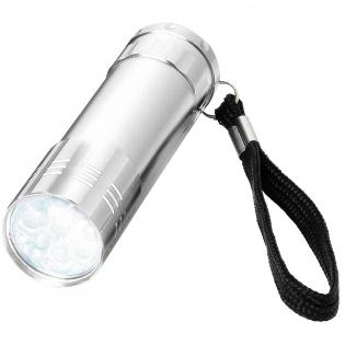 Elegante Taschenlampe mit 9 hellen weißen LEDs mit Trageschlaufe und Ein-Aus-Schalter auf der Rückseite. 3 x AAA Batterien erforderlich.