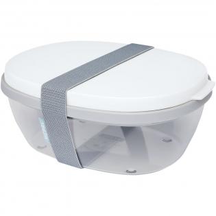 Saladebox met groot doorzichtig compartiment van 1300 ml dat groot genoeg is om de salade te mengen voor het eten. Het bovenste compartiment biedt ruimte voor brood of bestek. Inclusief een klein compartiment voor dressing of noten. Onbreekbaar en kan in de vaatwasser. Wordt geleverd met een elastische bandsluiting. BPA-vrij.