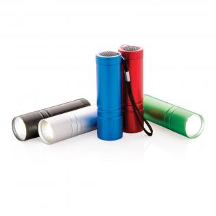 Superfelle zakformaat COB zaklamp. Deze COB-zaklamp is veel helderder dan gewone LED-lampen en verbruikt minder energie zodat de batterij tot 30% langer gebruikt kan worden. Inclusief 3x AAA batterijen voor direct gebruik.