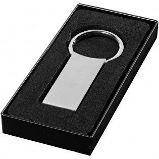 Classic keychain with hidden closure. Including black gift box.