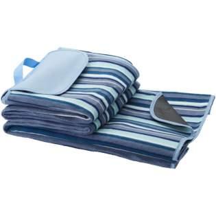 Cette nappe de pique-nique avec envers étanche et poignée de transport. La taille de la couverture est de 145 x 130 cm.