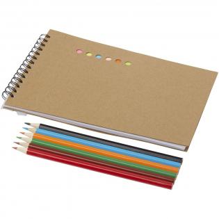 Set bevat 6 kleine sticky notes, 10 gekleurde pagina's, 30 blanco pagina's en 6 gekleurde potloden.