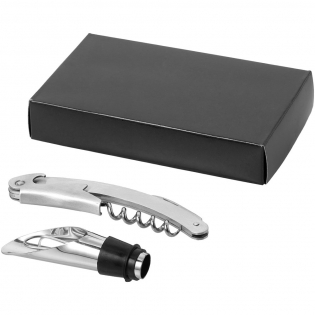 Wine set including a waitress knife and bottle stopper with pouring function. Presented in a carton gift box.