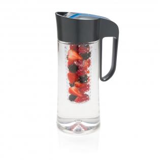 Pichet de 2L en Tritan pour savourez des boissons infusées maison entièrement naturelles. Sans BPA.
