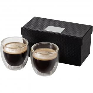 Verres espresso isothermes double paroi de 80ml. L'ensemble est présenté dans une boîte cadeau de luxe. Plaque logo incluse.