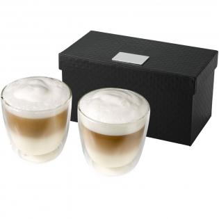 Dubbelwandige koffiemokken van 200ml. De set wordt geleverd in een luxe geschenkverpakking met logoplaatje.
