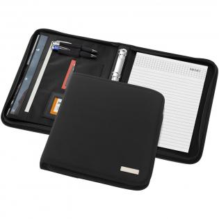 Portfolio met ritssluiting, pennenlus, documentvakken en notitieblok met 20 pagina's gelinieerd papier. Pen en accessoires niet inbegrepen.