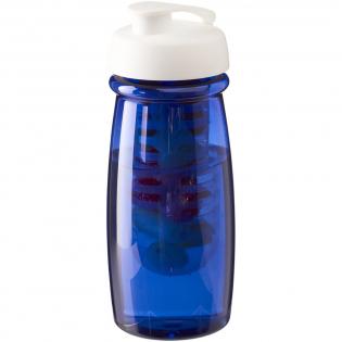 Einwandige Sportflasche in einer stylischen, gebogenen Form. Die Flasche ist aus recycelbarem PET-Material hergestellt. Verfügt über einen auslaufsicheren Klappdeckel und einen herausnehmbaren Infusor, mit dem Sie Ihrem Getränk Ihren Lieblingsfruchtgeschmack verleihen können. Das Fassungsvermögen beträgt 600 ml. Mischen und kombinieren Sie Farben, um Ihre perfekte Flasche zu kreieren. Kontaktieren Sie den Kundendienst für weitere Farboptionen. Hergestellt in Großbritannien. Verpackt in einem kompostierbaren Beutel.