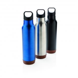 Vacuüm geïsoleerde lekvrije fles met duurzame 304 RVS binnenzijde en 201 RVS buitenzijde. Uniek kurkdetail op de bodem. Houdt uw dranken maximaal 5 uur warm en koud tot 15 uur. Inhoud: 600 ml.