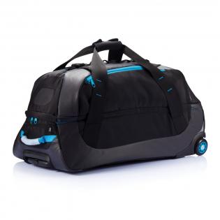 Ce sac en 600D est le sac outdoor par excellence. Grand compartiment principal zippé. Une multitude de pochettes internes zippées, avec une poche détachable en maille. Poignée du système de trolley en aluminium de couleur assortie.