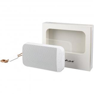 L'enceinte extérieure étanche de Wells ne ressemble pas aux enceintes extérieures typiques. Cependant, ne laissez pas son look élégant vous tromper. Avec un indice d'étanchéité IPX7, l'enceinte peut être immergée sous l'eau pendant une période prolongée. Avec des enceintes de 2x5 watts, les Wells le son sera diffusé de l'autre côté de l'étang! Fournie avec un câble de charge micro USB, une lanière en cuir et un câble aux de 3,5 mm. Temps de lecture: 4 heures au volume maximum. La charge de l'enceinte de 0 à 100% prend 2,5 heures.