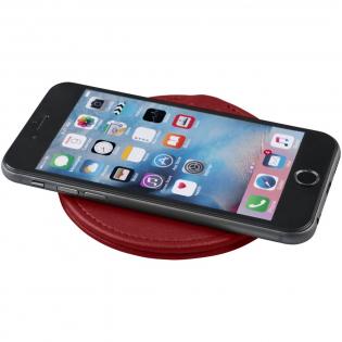Mit dem Abruzzo kabelloses Ladepad können Smartphones kabellos aufgeladen werden. Es unterstützt das kabellose Aufladen bis zu 1A von Geräten, die über diese Funktion verfügen. Für Geräte, die das drahtlose Aufladen nicht unterstützen, ist ein externer Funkempfänger oder ein Empfängergehäuse erforderlich.