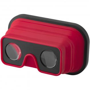 Deze opvouwbare siliconen VR bril is ideaal voor wanneer je veel onderweg bent. Hij is lichtgewicht, opvouwbaar en compact genoeg om in je binnenzak te steken. Schuif je telefoon in de sleuf en start een VR app om direct in de virtuele wereld te duiken in een paar seconden. Geniet van 3D videos, VR spelletjes en nog veel meer. Geschikt voor de meeste smartphones. Geleverd in een zwarte geschenkverpakking.