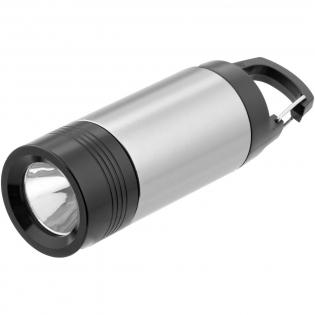 Lampe clignotante compacte qui peut être utilisée comme une lanterne ou comme une torche. Elle comprend un mousqueton pour une fixation plus facile sur un sac à dos. Piles fournies et intégrées. Sous coffret cadeau Avenue.