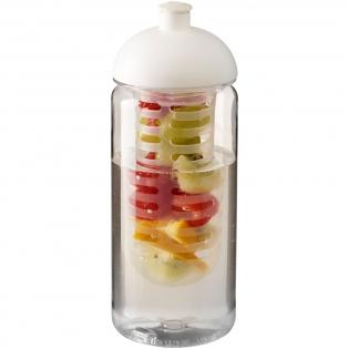 Einwandige Sportflasche aus strapazierfähigem, BPA-freiem Tritan™-Material. Verfügt über einen auslaufsicheren Deckel mit Push-Pull-Tülle und einem herausnehmbaren Infusor, mit dem Sie Ihrem Getränk Ihren Lieblingsfrucht-Geschmack verleihen können. Das Fassungsvermögen beträgt 600 ml. Mischen und kombinieren Sie Farben, um Ihre perfekte Flasche zu kreieren. Kontaktieren Sie den Kundendienst für weitere Farboptionen. Hergestellt in Großbritannien. Verpackt in einem kompostierbaren Beutel.
