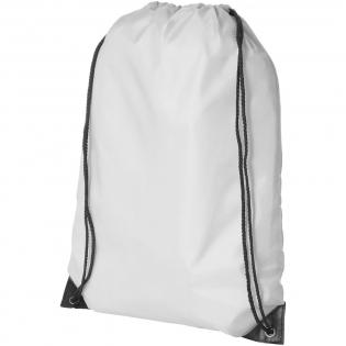 Großes Hauptfach mit Kordelzugverschluss. Kordelzugdesign zum Tragen über eine Schulter oder als Rucksack.