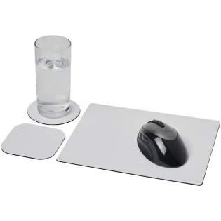 Geliefert mit einem Brite-Mat® Mousepad und einem Set passender Untersetzer. Das Set besteht aus einem rechteckigen Mousepad (0,3 x 19 x 21 cm), einem quadratischen (0,3 x 9,5 x 9,5 cm) und einem runden Untersetzer (0,3 x ø 9,5 cm).