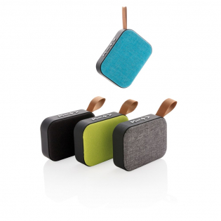 Haut-parleur 3W avec corps en ABS et finition soft touch, grille en tissu et le bas de l'enceinte est muni de bandes en caoutchouc pour une meilleure qualité sonore et une meilleure prise en main. Batterie 300 mAh pour une autonomie jusqu'à 3 heures sur une seule charge et une distance de connexion jusqu'à 10 mètres avec BT 5.0. Avec un micro-câble pour charger le haut-parleur et un câble audio pour connecter l'appareil à votre téléphone sans connexion sans fil.