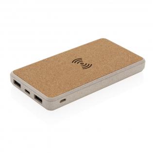 Diese 8.000 mAh Powerbank mit integriertem Wireless-Charger hat ein Gehäuse aus Kork und Weizenstroh ( 35%) gemischt mit ABS. Die Ladung der Powerbank kann sowohl über Mirco-USB als auch Type-C erfolgen. Eine volle Ladung der 8.000 mAh Lithium-Polymer A-Grade Batterie kann Ihr Smartphone bis zu 4x aufladen. Mit Ladestandsanzeige. Kompatibel mit allen QI-fähigen Geräten wie den Androids der neuesten Generation sowie ab dem iPhone 8. Micro-USB Input: 5V/2A; Type-C Input: 5V/2A; USB Output 5V/2.4A; Wireless Output: 5W 5V/1A. Artikel und Accessoires 100% PVC-frei.