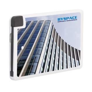 Powerbank très mince, léger en format carte de crédit avec • un adaptateur 5S qui rend le chargeur adapté à l'iPhone 5/6/7 • une batterie en lithium-polymère (2400mAH/3.7V). Entrée : 5V-500mA. Sortie : 5V-1A. Le Powercharger se recharge grâce à un câble USB (Inclus : adaptateur micro-usb et iPhone / exclus : adaptateur type-c). Pratique sur la route, en vacances, voyage d'affaires, festival, lorsque vous n'avez pas de prise disponible pour recharger votre appareil mobile. Compatible avec iPhone 5/6/7. Le powerbank 2400 est conforme aux normes Européennes. Il est livré avec un câble usb/micro usb, une batterie en lithium de qualité A et mode d'emploi en plusieurs langues. Lorsque vous divisez la capacité du powerbank (mAh) par la capacité de batterie de votre appareil mobile (mAh), vous savez à peu près combien de fois vous pouvez recharger votre appareil mobile. Par pièce dans une boîte. Par pièce dans une boîte.