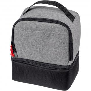 Ce sac-repas isotherme double comprend deux compartiments zippés séparés, une poignée de transport pratique et un motif de couleur tendance avec languette de zip contrastante.