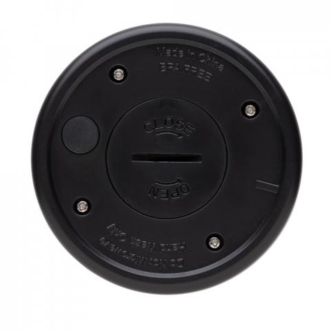 Mug 200ml à double paroi, intérieur en acier inoxydable 304 et ABS à l'extérieur. Eclairez votre communication en mettant votre logo en lumière. Le logo s'illumine quand vous secouez le mug. 2 piles CR2032 incluses. Convient à la plupart des machines à café. Garde les boissons chaudes jusqu'à 3h et froides jusqu'à 6h.