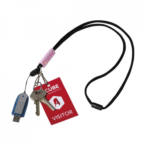 Funktionales Schlüsselband mit rundem Band, Sicherheitsverschluss, metallenem Schlüsselring, abnehmbarer Handyanhänger und 2 metallene Schlüsselband Haken.