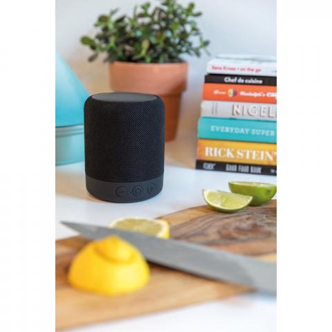 5W wireless Lautsprecher mit BT 4.2 Technik für eine saubere Verbindung auf bis zu 10m. Die 800mAh Batterie spielt Ihre Musik für 4-5 Stunden. Inkl. Mikrofon um auch Telefonate zu führen