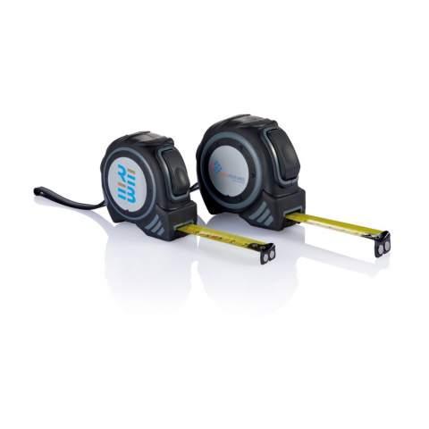 Mètre ruban Grip 3m/16mm boîtier en ABS, autobloquant, bouton déverrouillage ruban, clip et dragonne noirs, autocollant de couleur argent, ruban jaune avec logo CE, 2 aimants à l'extrémité du ruban.