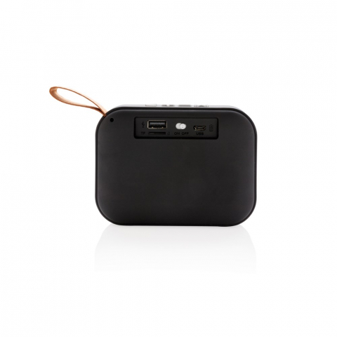 Draadloze 3W-luidspreker. ABS-body met soft-touch afwerking en stoffen rooster, de onderkant van de luidspreker heeft rubberen strips voor verbeterde geluidskwaliteit en grip. De 300 mAh batterij zorgt voor een speelduur tot 3 uur op één keer opladen en heeft een bereik tot 10 meter met BT 5.0. Inclusief microkabel om de luidspreker op te laden. Inclusief audiokabel om het apparaat zonder draadloze verbinding met uw mobiele telefoon te verbinden. Compatibel met alle mobiele telefoons.
