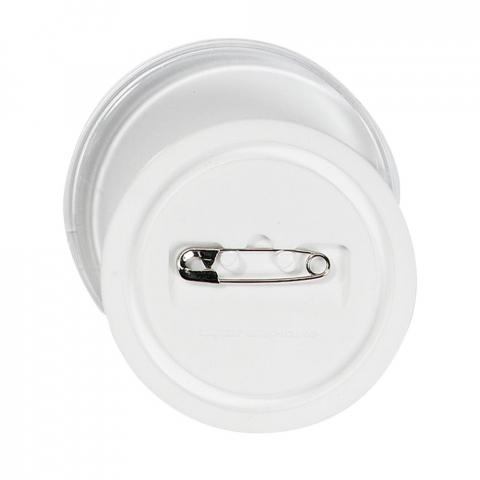 Button Ø 6 cm en matière synthétique sans feuillet.