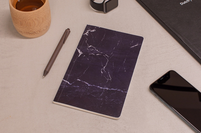 Notitieboekje gemaakt van steen