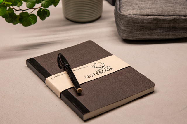 Notitieboekje gemaakt van koffie-afval